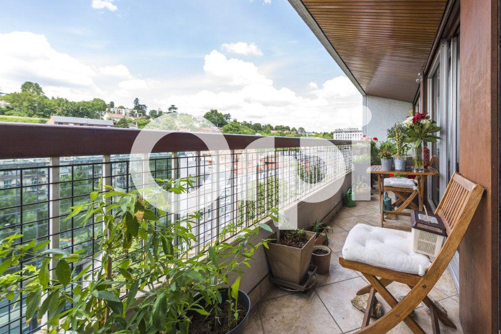 Appartement à vendre 5 103.28m2 à Chaville vignette-1