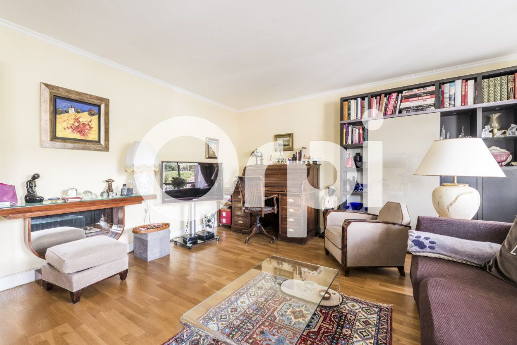 Appartement à vendre 5 103.28m2 à Chaville vignette-3