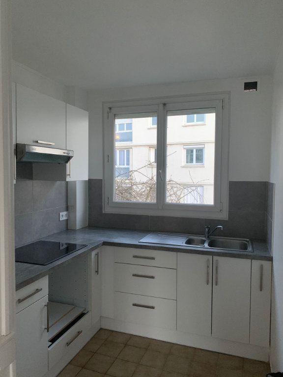 Appartement à louer 3 49.28m2 à Sèvres vignette-2