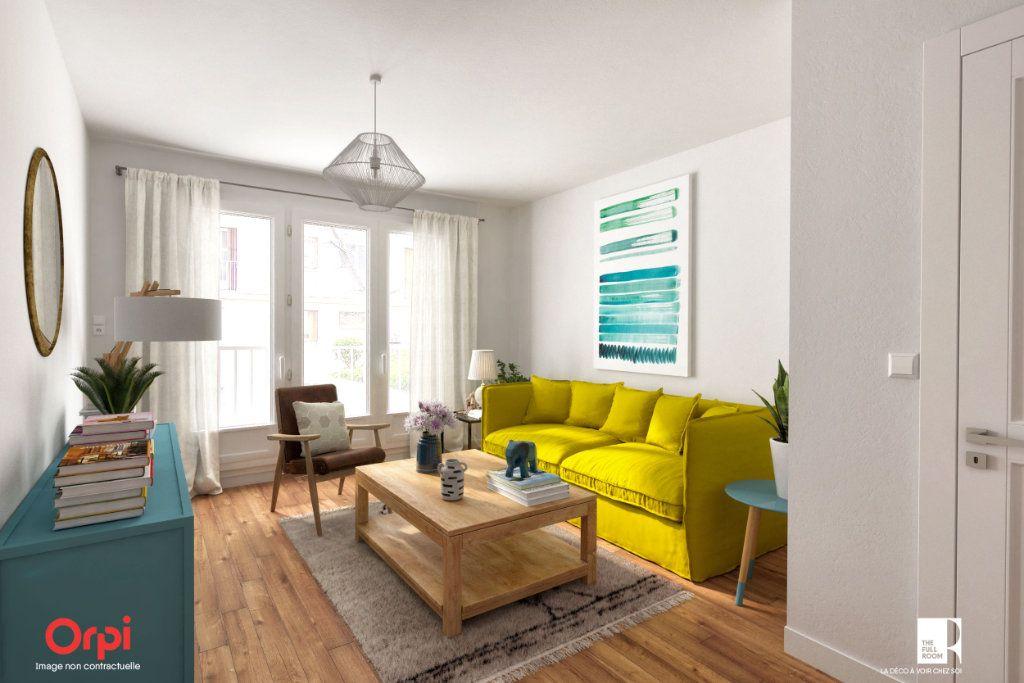 Appartement à vendre 4 81.52m2 à Sèvres vignette-2