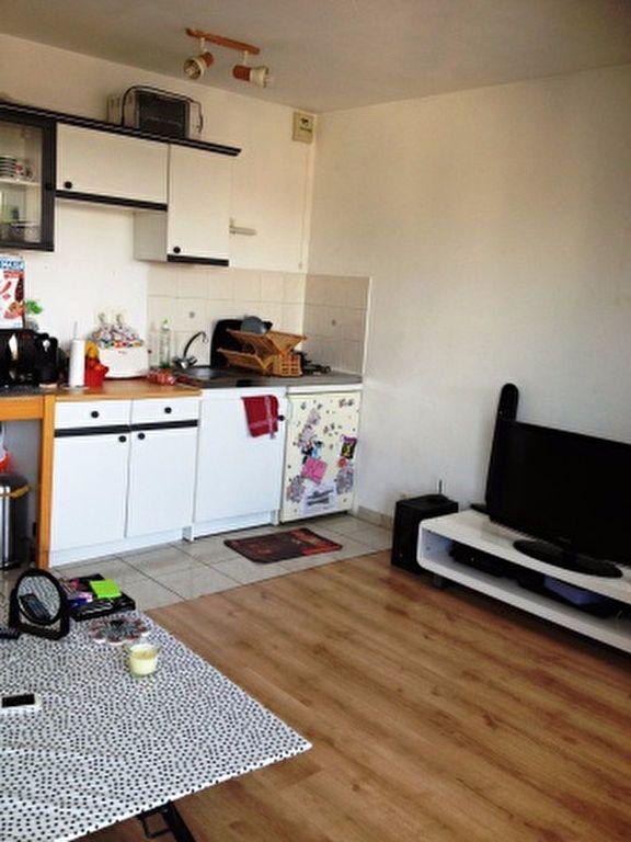 Appartement à louer 1 27m2 à Palaiseau vignette-2