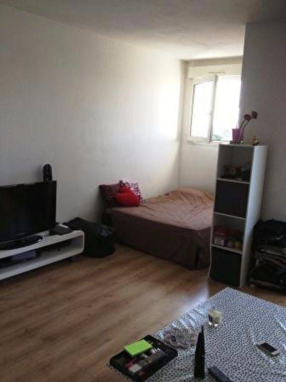 Appartement à louer 1 27m2 à Palaiseau vignette-3