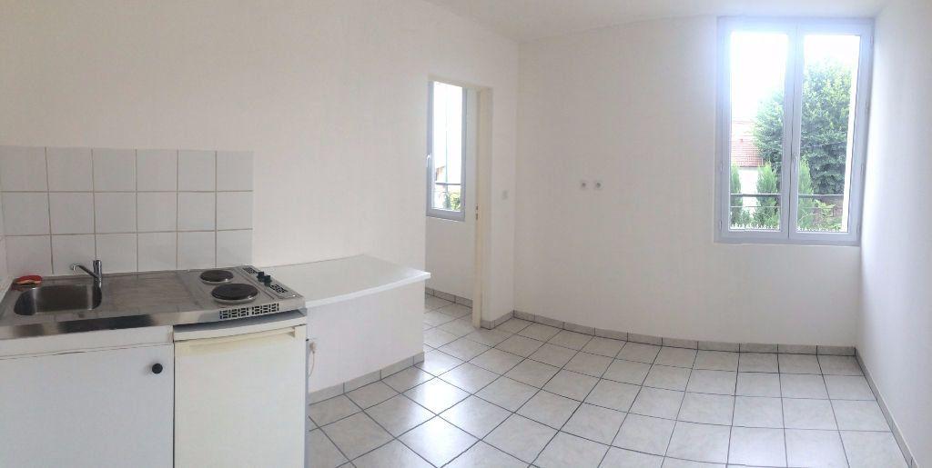 Appartement à louer 1 26m2 à Palaiseau vignette-1