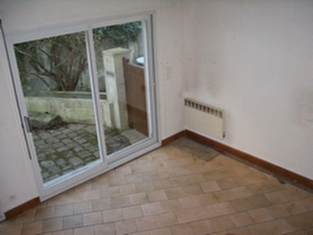 Appartement à louer 2 35m2 à Palaiseau vignette-3