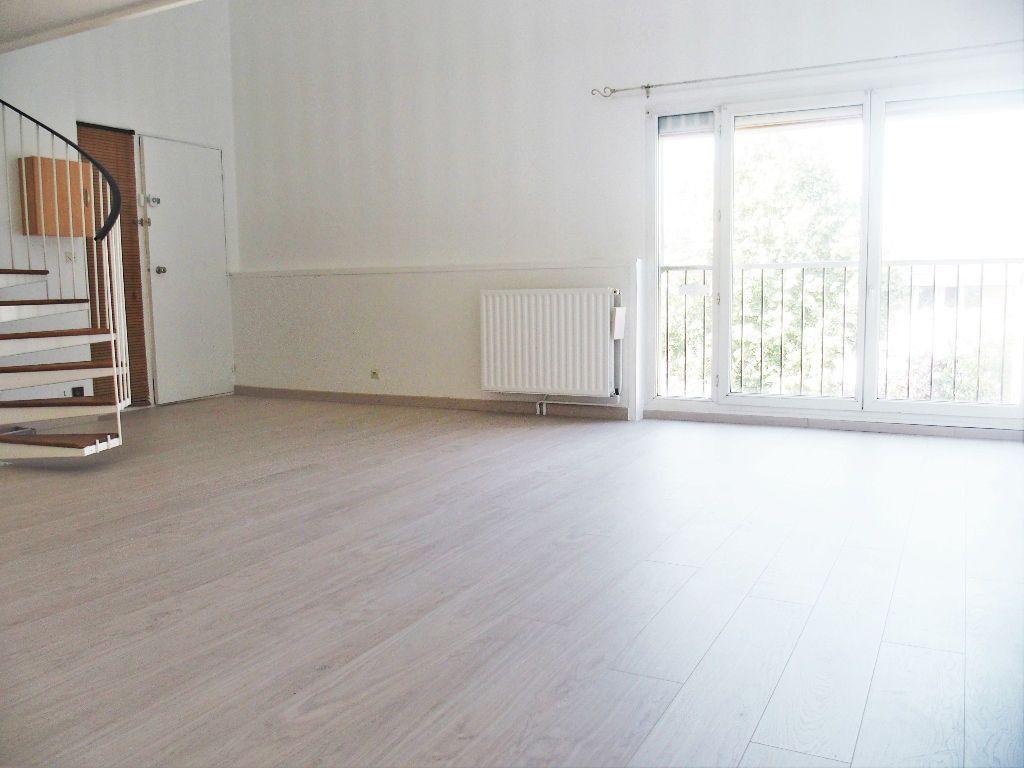Appartement à louer 2 50m2 à Les Ulis vignette-1