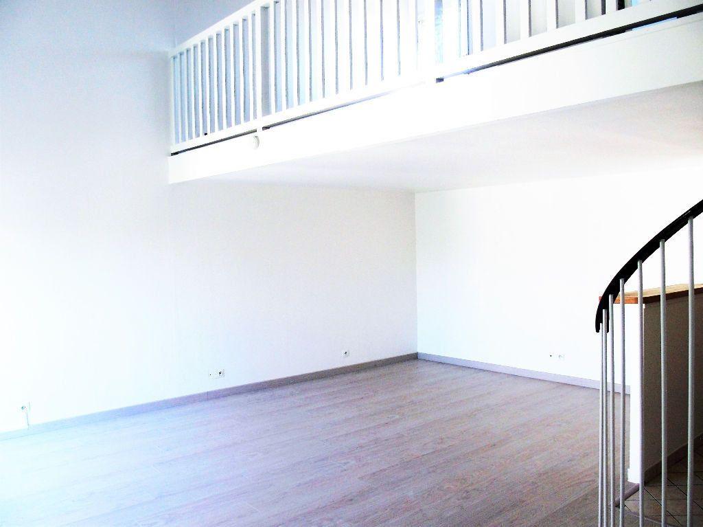 Appartement à louer 2 50m2 à Les Ulis vignette-2