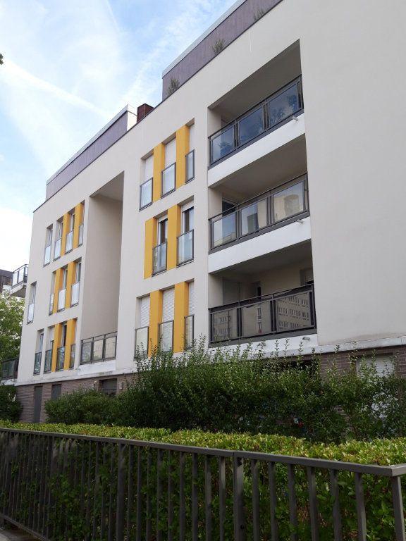 Appartement à louer 3 61.19m2 à Les Ulis vignette-1