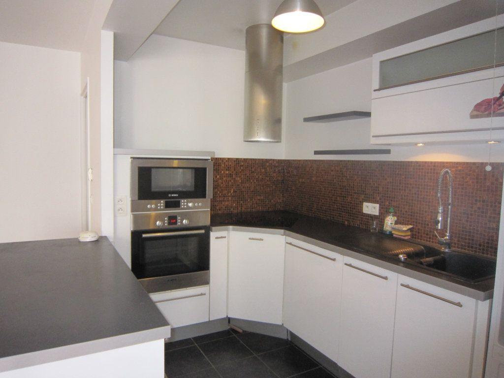 Appartement à louer 3 68.06m2 à Montrouge vignette-1
