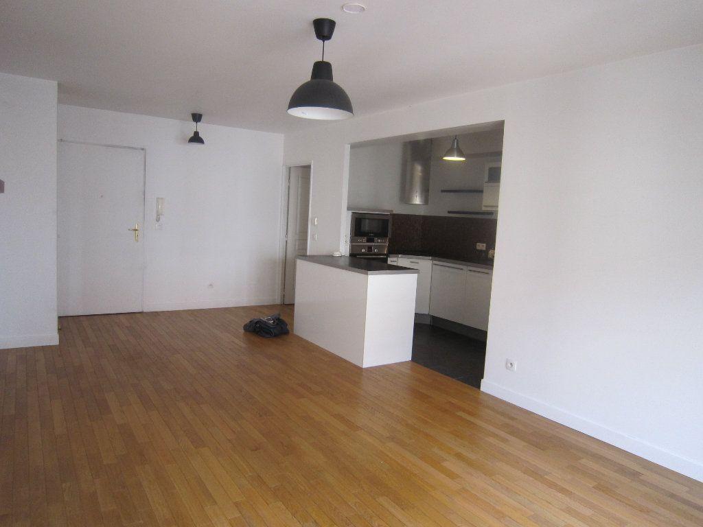 Appartement à louer 3 68.06m2 à Montrouge vignette-3