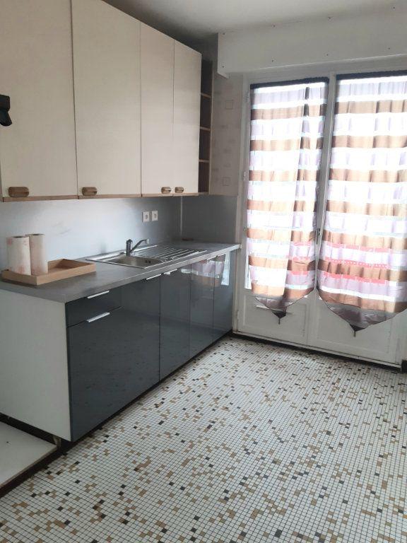 Appartement à louer 2 62m2 à Palaiseau vignette-2