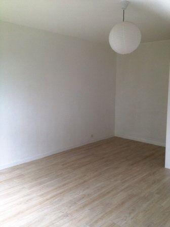 Appartement à louer 1 30m2 à Les Ulis vignette-2