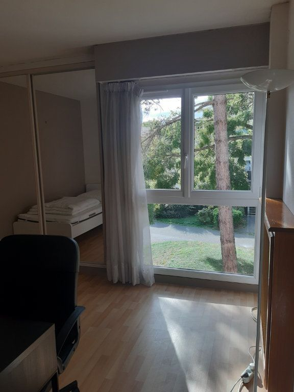 Appartement à louer 1 11.05m2 à Les Ulis vignette-2