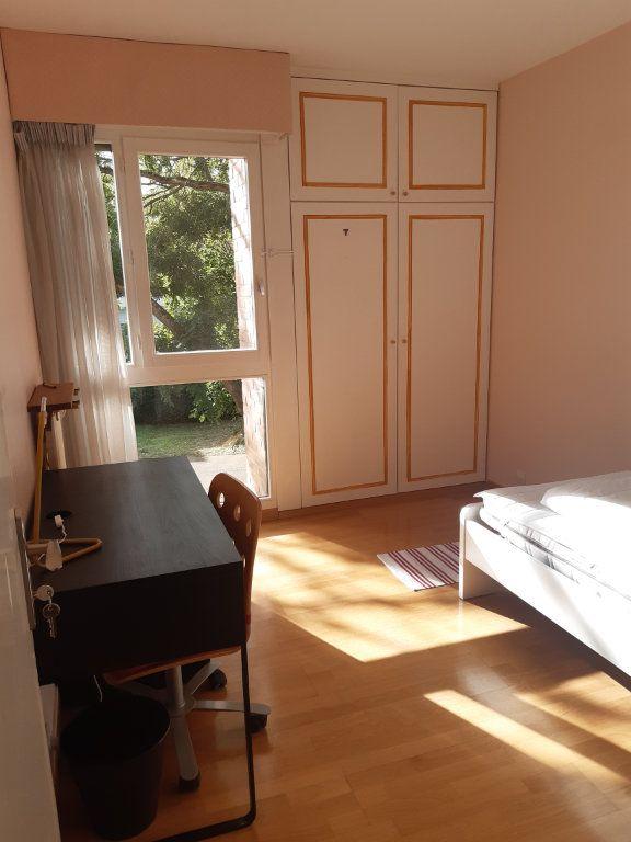 Appartement à louer 1 11.05m2 à Les Ulis vignette-1