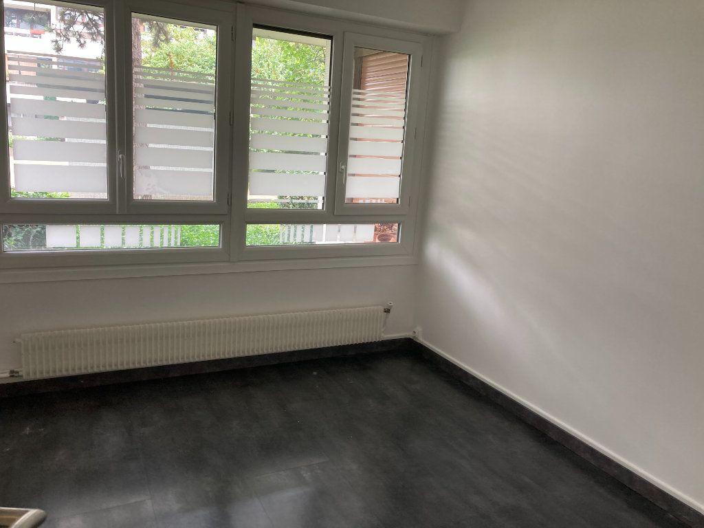 Appartement à louer 3 65.89m2 à Les Ulis vignette-6