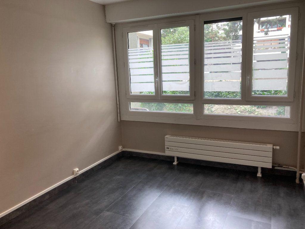 Appartement à louer 3 65.89m2 à Les Ulis vignette-7