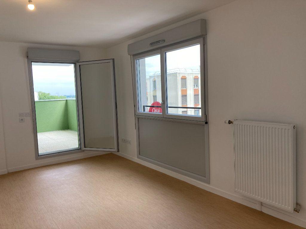 Appartement à louer 2 45.48m2 à Les Ulis vignette-1