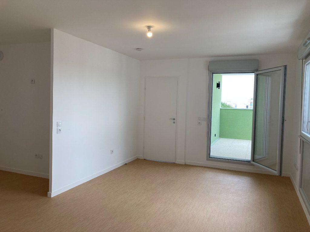 Appartement à louer 2 45.48m2 à Les Ulis vignette-2