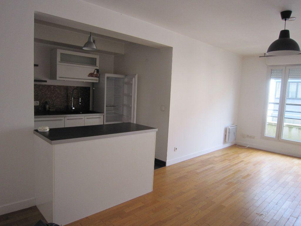 Appartement à louer 3 68.06m2 à Montrouge vignette-2
