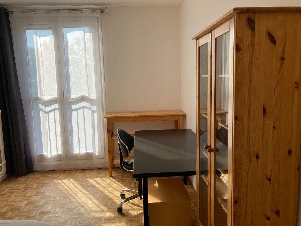 Appartement à louer 1 9m2 à Les Ulis vignette-3