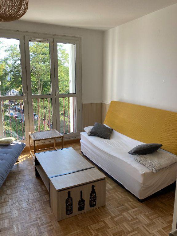 Appartement à louer 1 9m2 à Les Ulis vignette-5