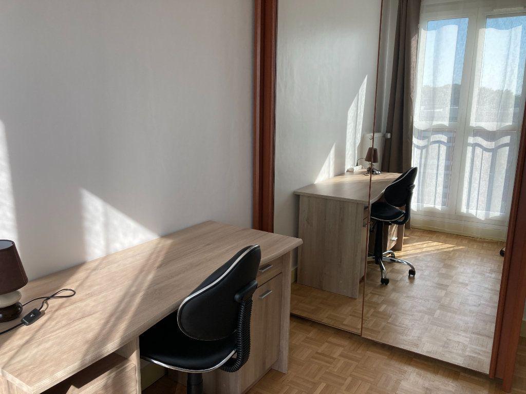 Appartement à louer 1 9m2 à Les Ulis vignette-2