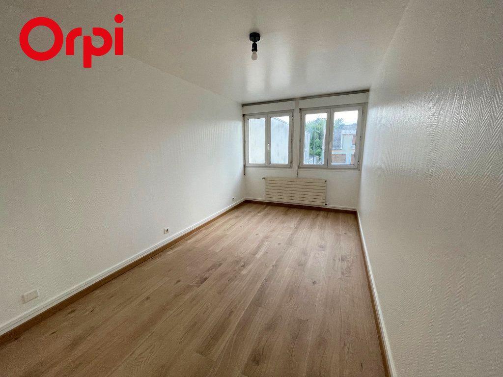 Appartement à louer 3 67.13m2 à Massy vignette-4