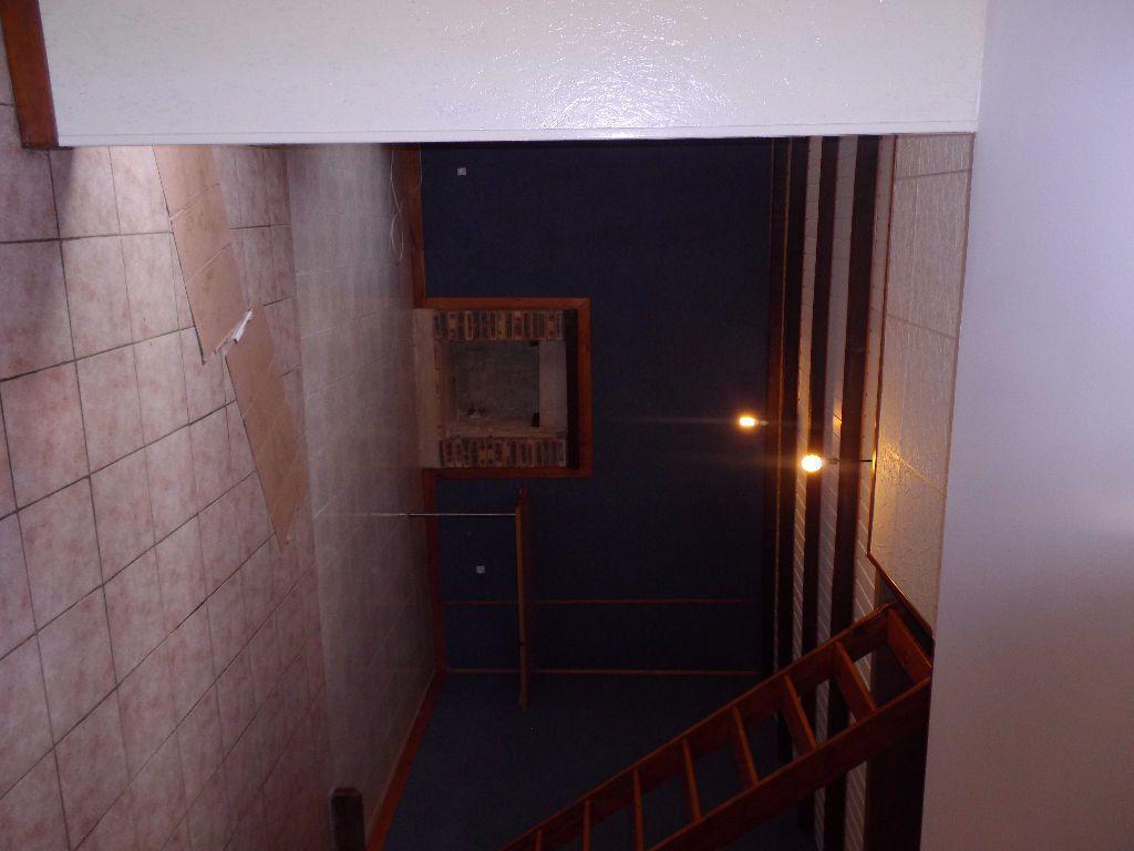 Maison à vendre 3 80m2 à Lanvénégen vignette-6