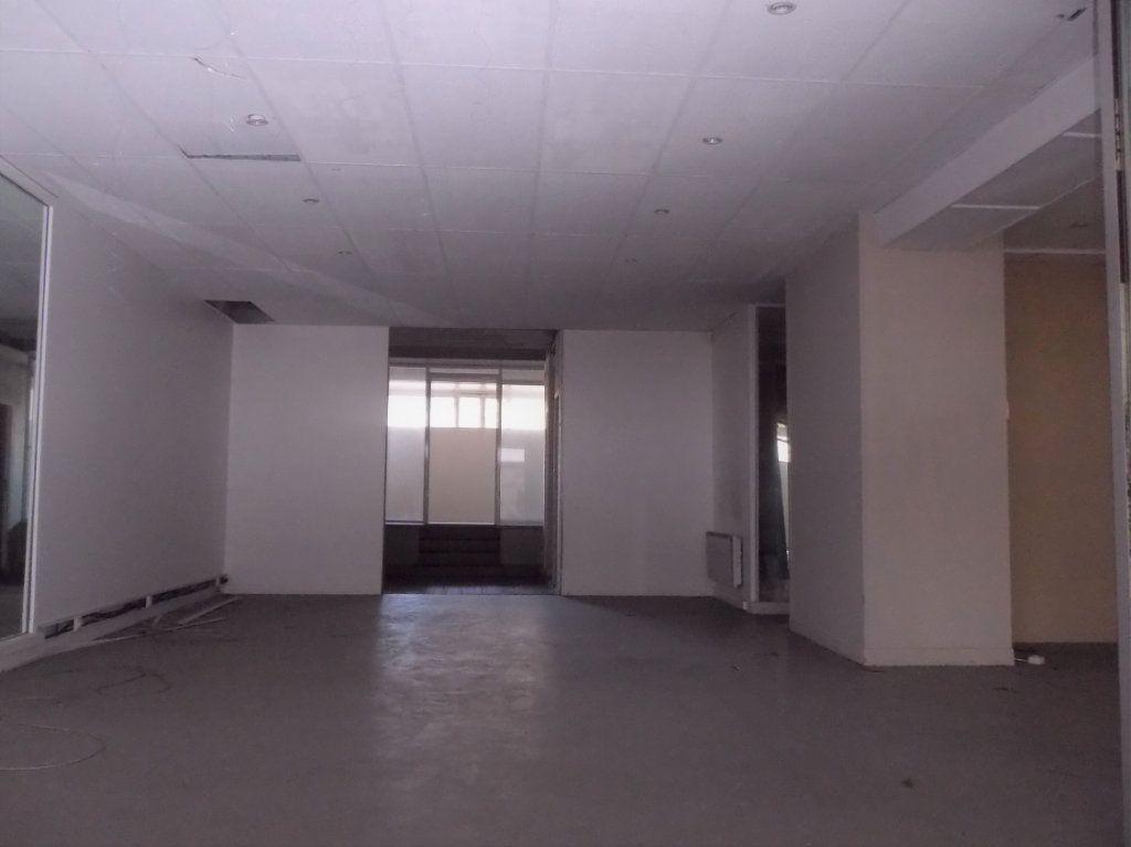Immeuble à vendre 0 650m2 à Quimperlé vignette-2