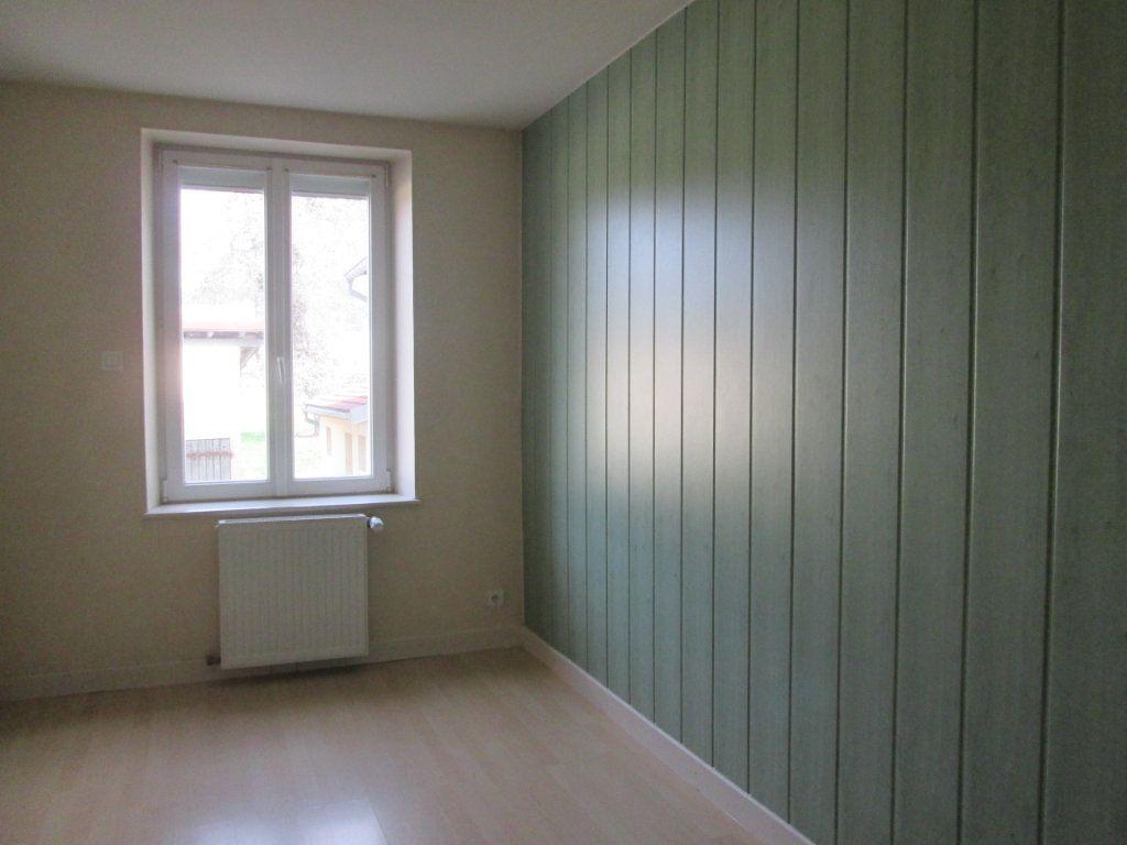 Appartement à louer 3 90m2 à Anould vignette-4