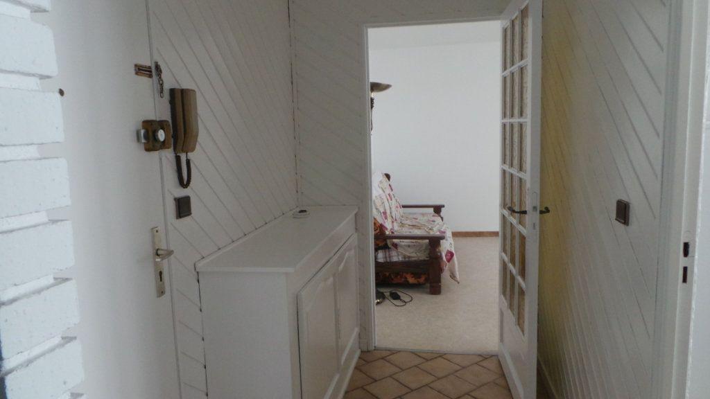 Appartement à vendre 2 52m2 à Saint-Dié-des-Vosges vignette-2