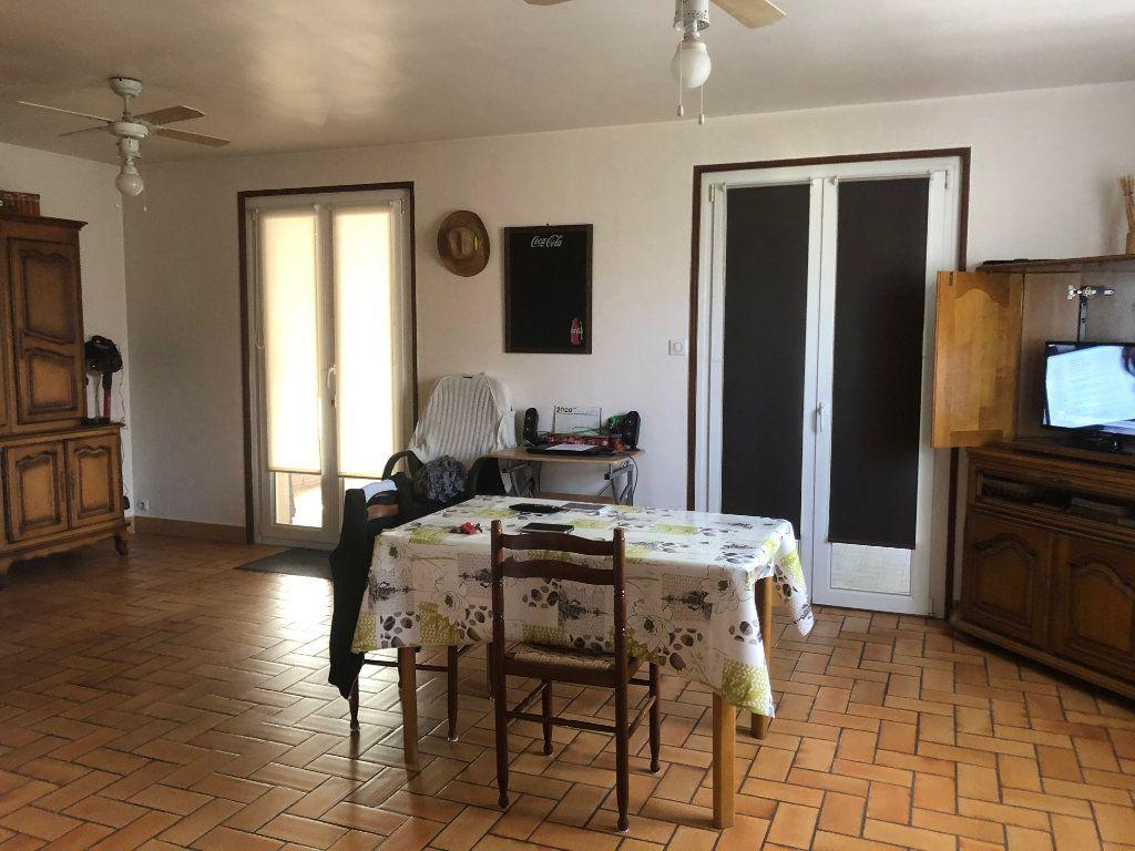 Maison à vendre 8 215m2 à Anould vignette-3