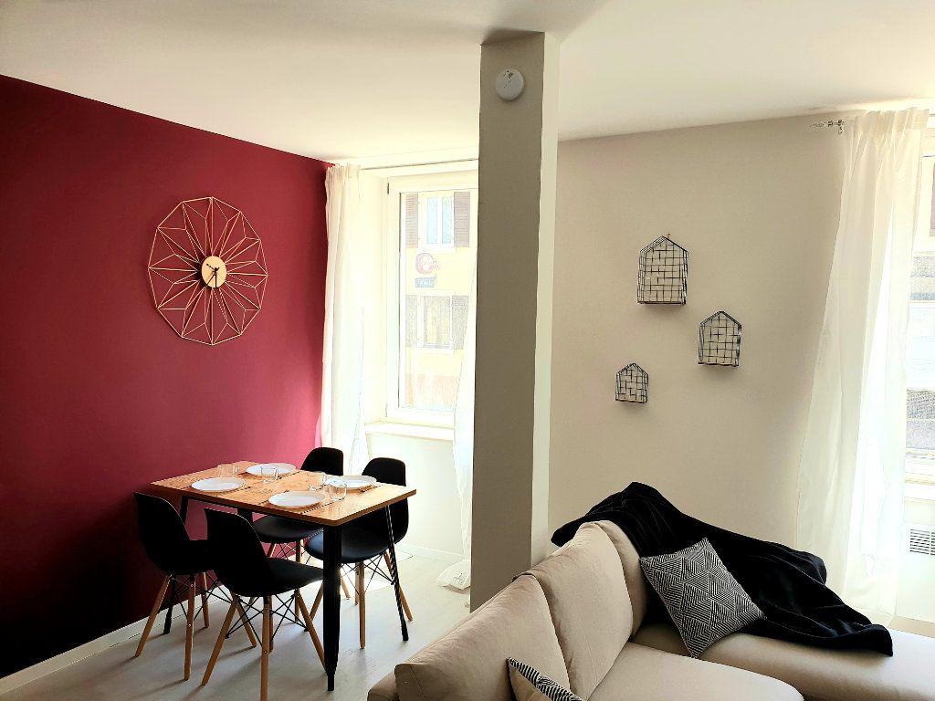 Appartement à louer 2 57m2 à Le Bonhomme vignette-2