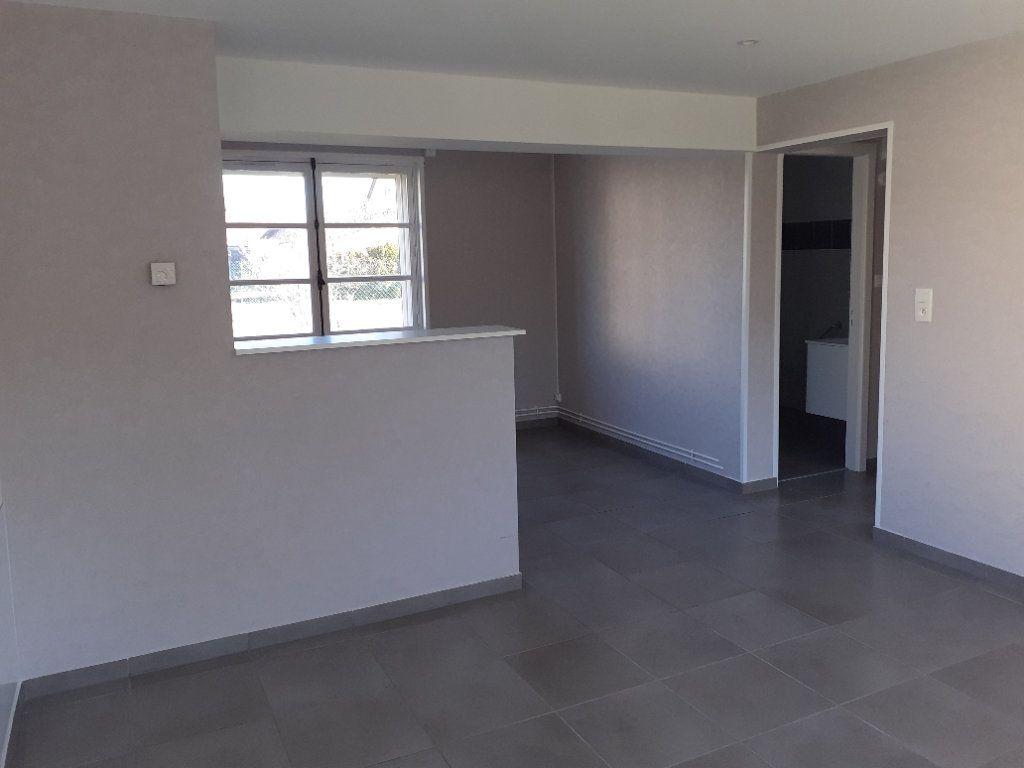 Appartement à vendre 2 50m2 à Saint-Dié-des-Vosges vignette-2