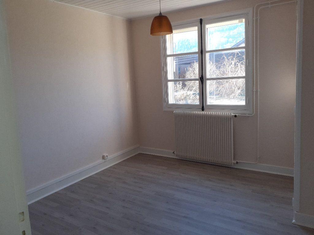 Appartement à vendre 2 50m2 à Saint-Dié-des-Vosges vignette-4