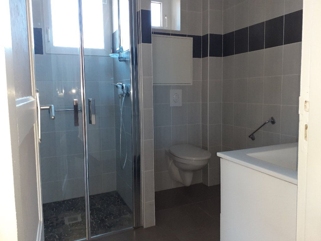 Appartement à vendre 2 50m2 à Saint-Dié-des-Vosges vignette-5