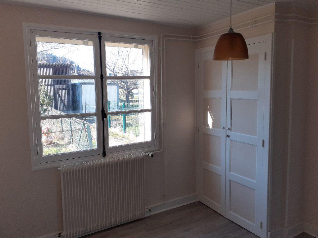 Appartement à vendre 2 50m2 à Saint-Dié-des-Vosges vignette-6