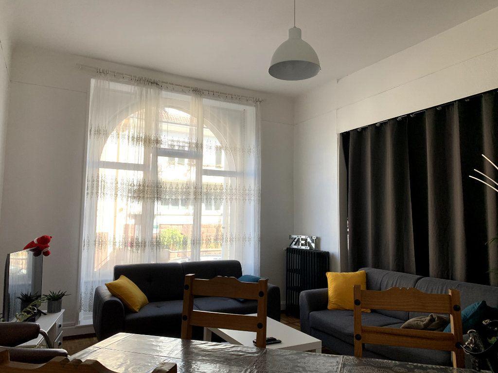 Appartement à louer 4 115m2 à Saint-Dié-des-Vosges vignette-2