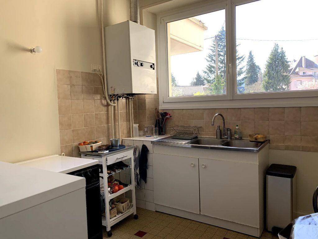 Appartement à louer 4 115m2 à Saint-Dié-des-Vosges vignette-3