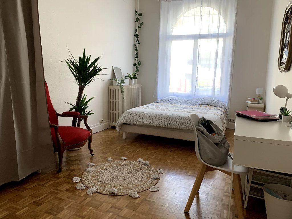 Appartement à louer 4 115m2 à Saint-Dié-des-Vosges vignette-4