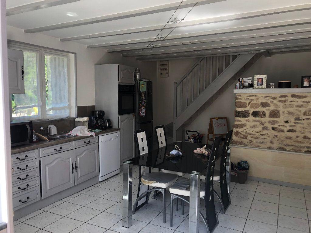 Appartement à louer 4 100m2 à Corcieux vignette-2