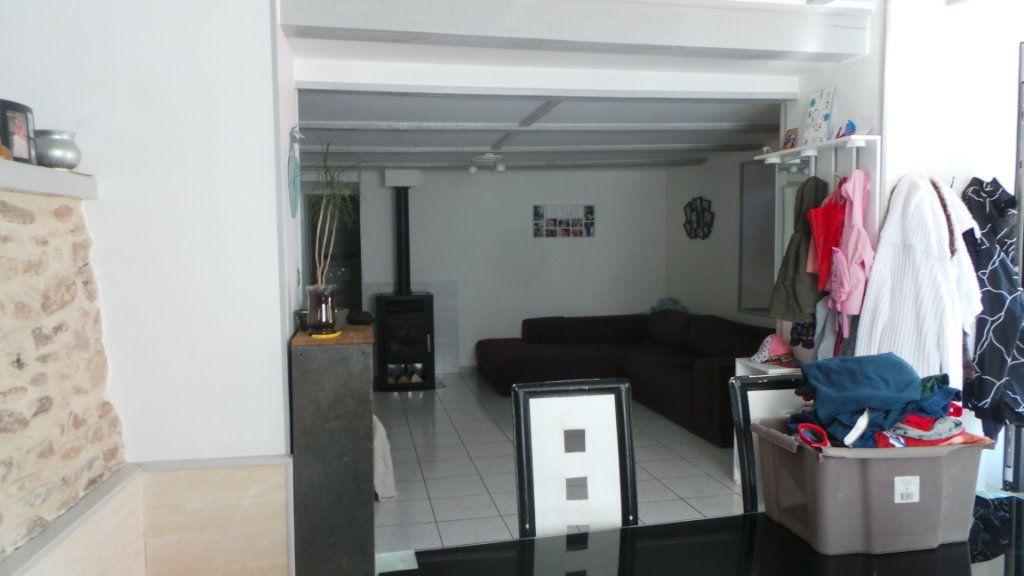 Appartement à louer 4 100m2 à Corcieux vignette-3