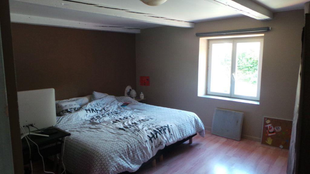 Appartement à louer 4 100m2 à Corcieux vignette-4