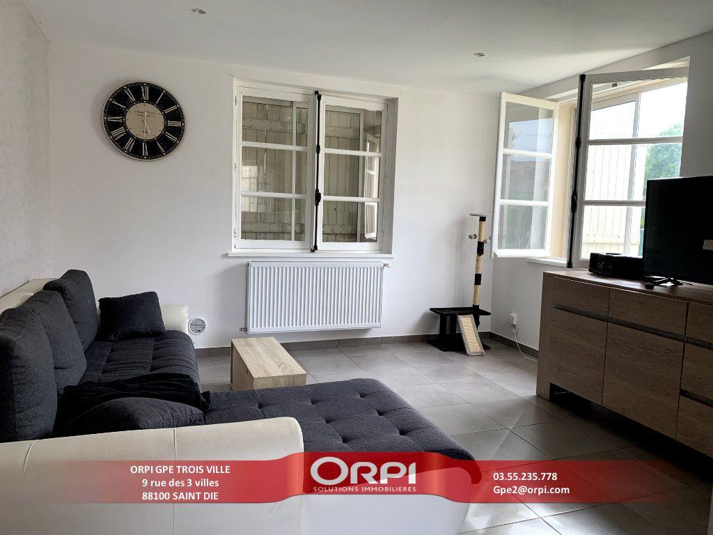 Appartement à louer 2 50m2 à Saint-Dié-des-Vosges vignette-1