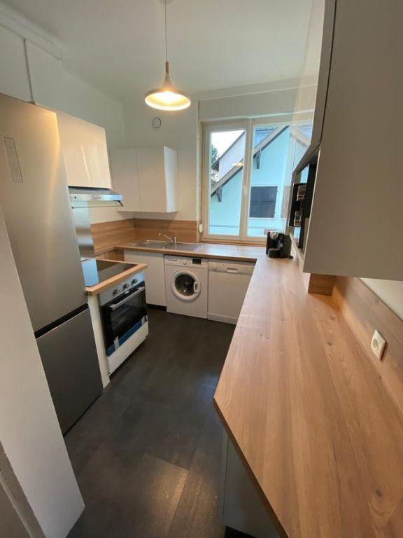 Appartement à louer 6 107.37m2 à Saint-Dié-des-Vosges vignette-3