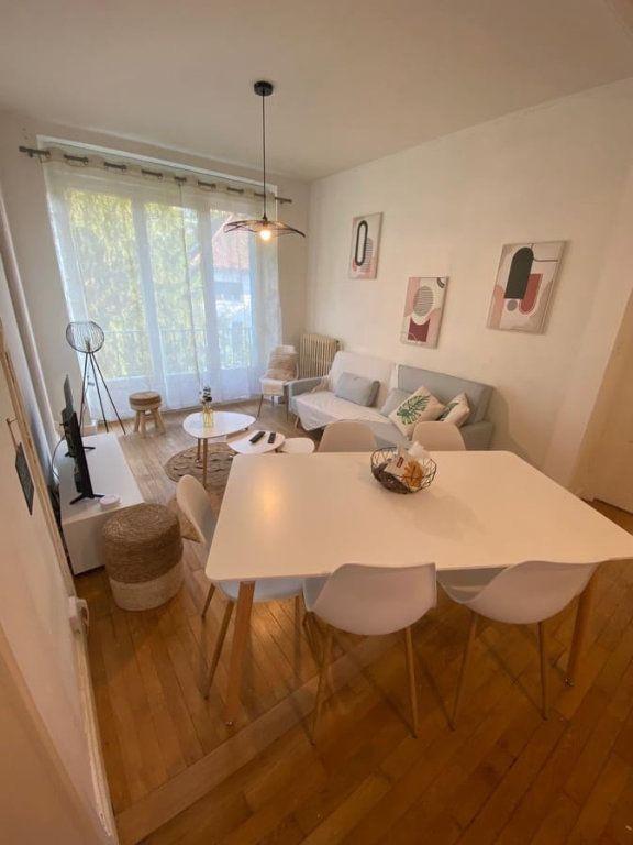 Appartement à louer 6 107.37m2 à Saint-Dié-des-Vosges vignette-4