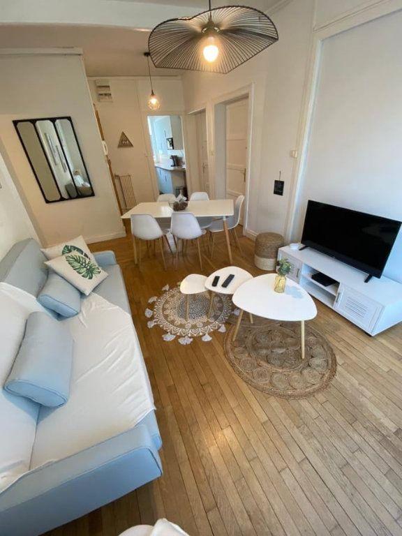 Appartement à louer 6 107.37m2 à Saint-Dié-des-Vosges vignette-5