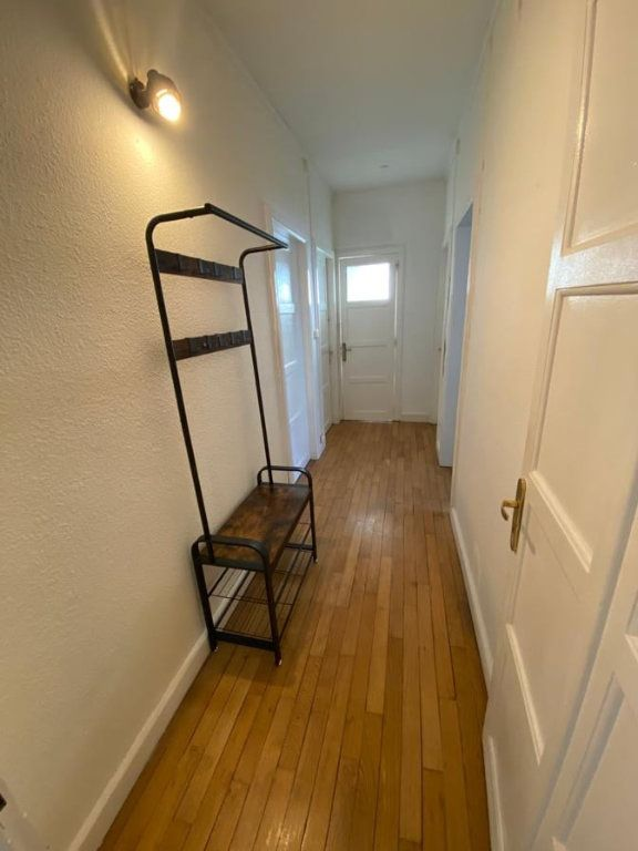 Appartement à louer 6 107.37m2 à Saint-Dié-des-Vosges vignette-6