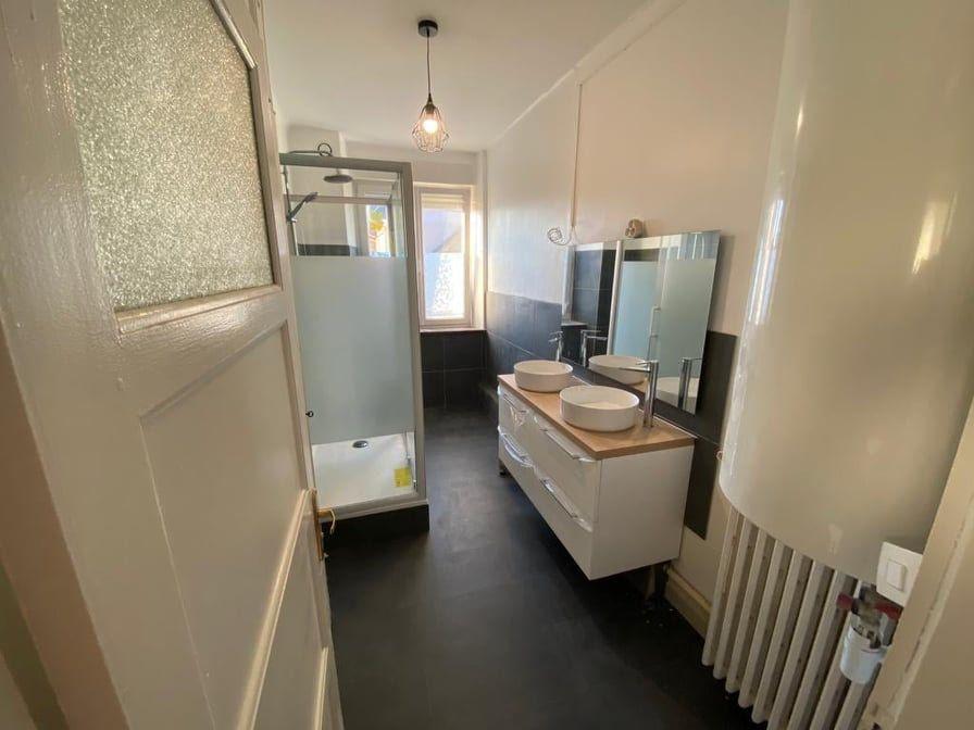 Appartement à louer 6 107.37m2 à Saint-Dié-des-Vosges vignette-9