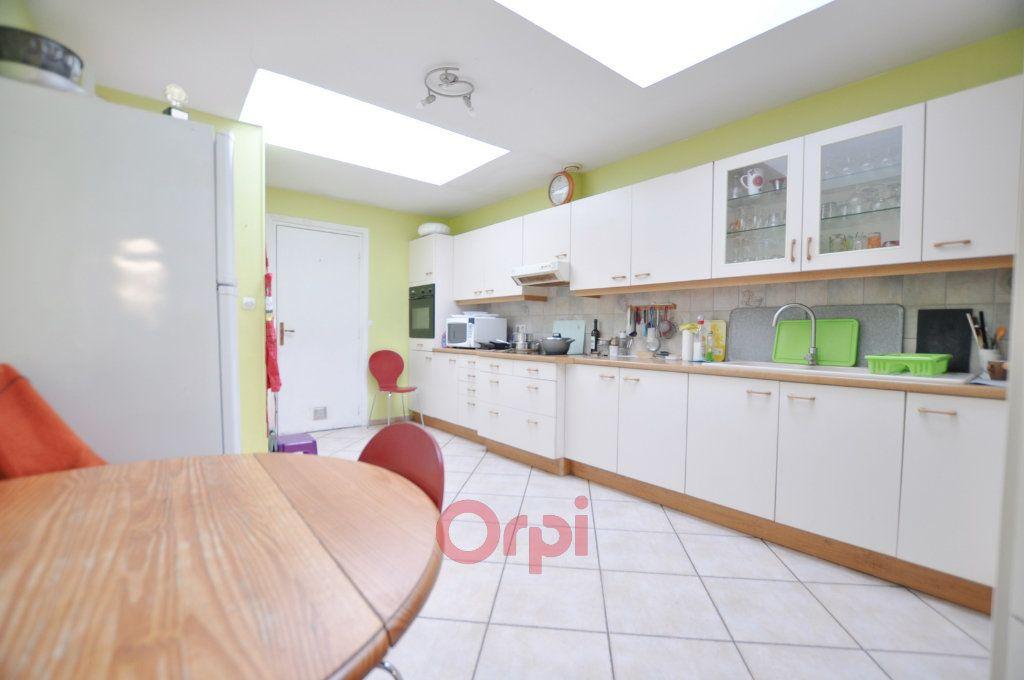Maison à vendre 7 237.72m2 à Dunkerque vignette-1