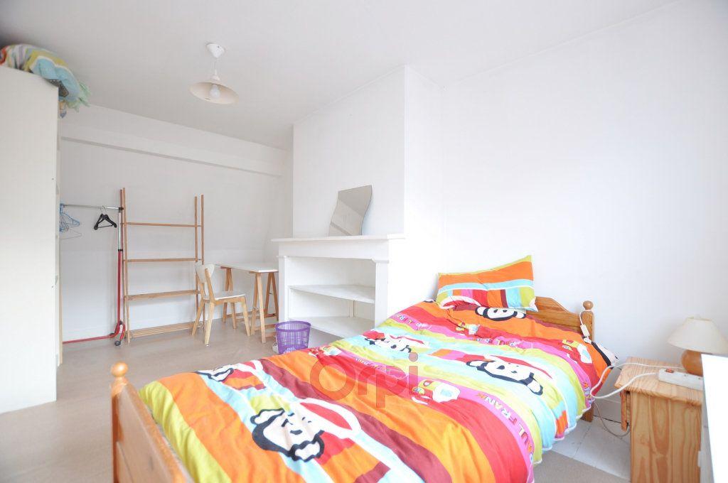 Maison à vendre 7 237.72m2 à Dunkerque vignette-6